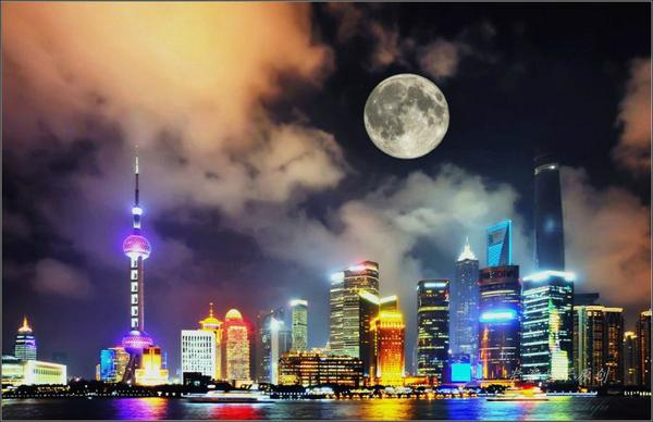 Bright moon hanging over The Bund