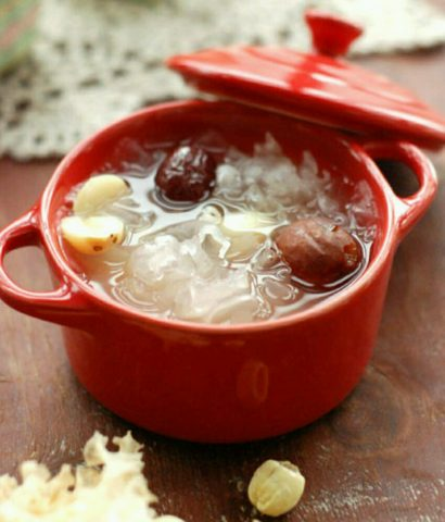 Chinese dessert soup_snow fungus soup