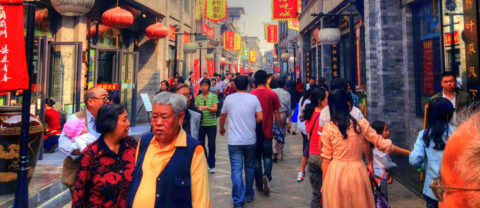 Communicate with the older generation and locals in Shanghai
