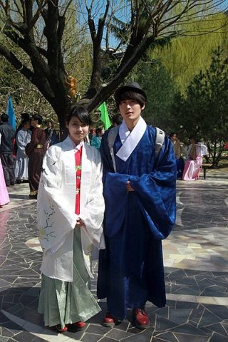 Man and women wearing traditional hanfu robes in modern China
