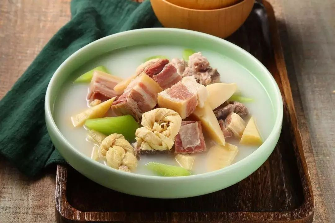 A bowl of 腌笃鲜 (Yanduxian), a Shanghainese soup with bamboo shoots and pork.